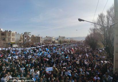 بزرگترین و عریض ترین خیابان یاسوج پر شد/هوادارن «بهرامی»رکوردی دیگر را شکستند+گزارش تصویری